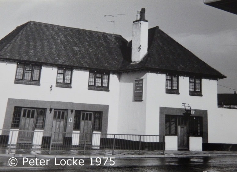 The Old Plough and Harrow Aylesbury 1975 - Old Photos - Aylesbury's Lost Pubs